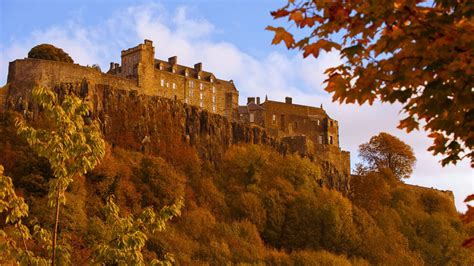 Highlands, Castles and Whisky by Train   McKinlay Kidd