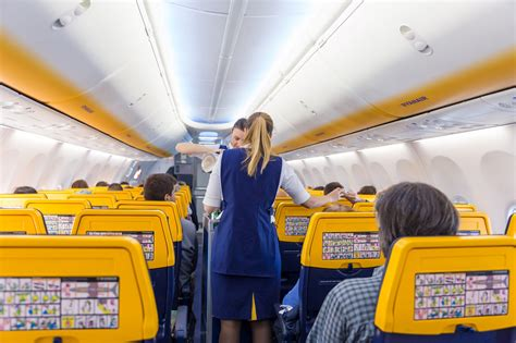 Claims: Ryanair Still Isn't Complying with Local Laws in